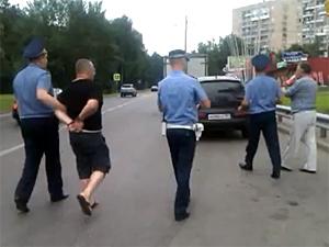 Опубликовано видео задержания водителя «перетонированного» внедорожника