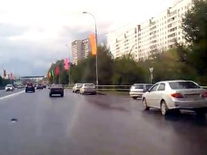Машинам запретят останавливаться на Панфиловском проспекте