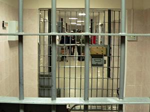 Заключенного СИЗО забил до смерти пьяный сокамерник