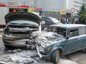 Разбившаяся на улице Гоголя машина с подростками уходила от погони
