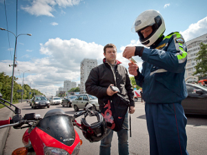 Автоинспекторы снова охотились за скутеристами