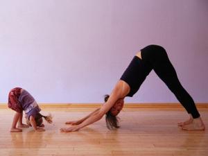 В студии Just Dance открыта группа для занятий детской йогой