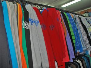 Хозяйку магазина оштрафовали за свастику на одежде