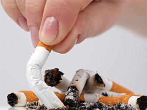 Зеленоградцев призывают фотографировать курильщиков в подъездах
