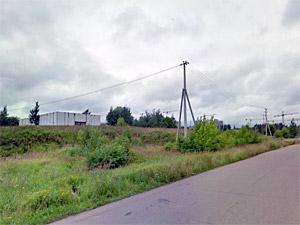 У Кутузовского шоссе сгорел склад с консервной тарой