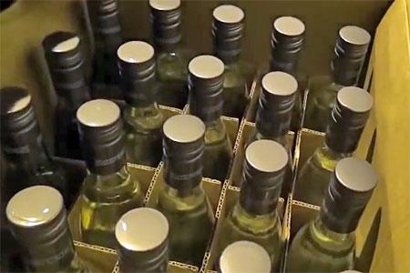 Инспектора ДПС задержали за незаконную торговлю алкоголем
