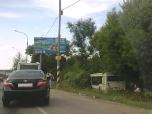 400-й автобус вылетел в кювет на Ленинградке