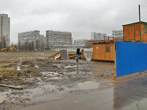 Площадка луна-парка в «новом городе» превратилась в стройку