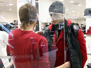Полиция раскрыла кражи пальто и нетбука