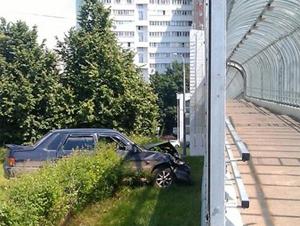 Врезавшийся в мост водитель был в наркотическом опьянении