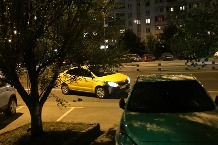 На улице Логвиненко такси сбило пешехода-нарушителя
