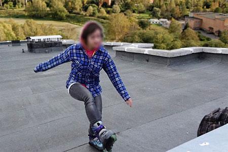 В Менделеево подростки облюбовали для катания на роликах крышу высотки