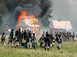 Уикенд 10, 11 и 12 июня: «Край Света», реконструкция сражения 1812 года, прыжки с парашютом, салют