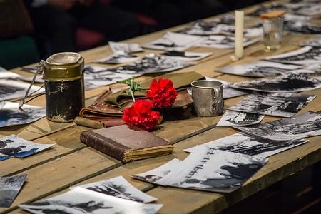 «Ведогонь-театр» подготовил ко Дню Победы новую программу с оркестром и стихами