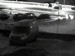 Лобовое столкновение машин засняла камера наблюдения