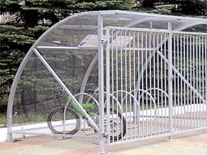 В московских дворах и подвалах появятся велопарковки