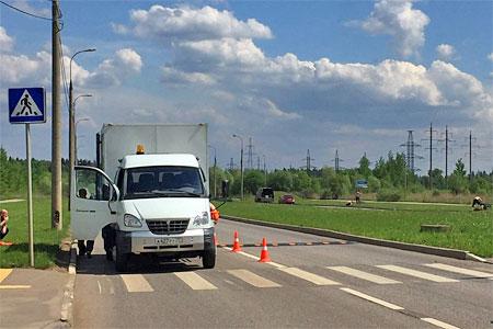 На Середниковской улице начали установку «лежачих полицейских»