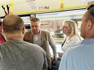 Главврач предложила связать все поликлиники автобусом без промежуточных остановок