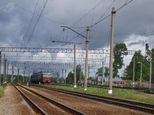 Московские власти не могут добиться от ОЖД уборки путей у станции Крюково