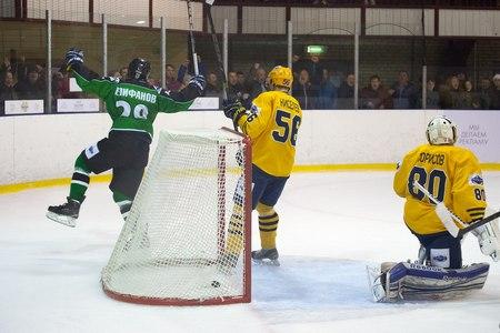 ХК «Зеленоград» дважды обыграл конкурента за первое место