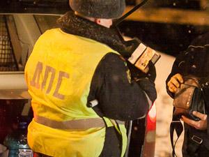 На Панфиловском проспекте задержали автомобиль с наркоторговцем
