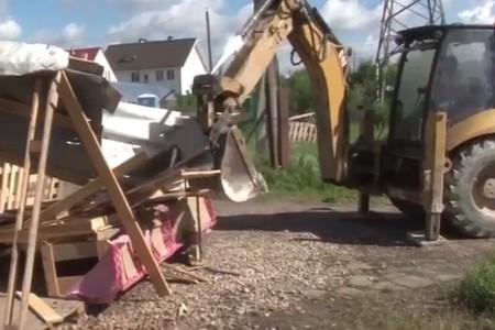На Пятницком шоссе вырубят и снесут мешающие автомобилистам деревья и магазины
