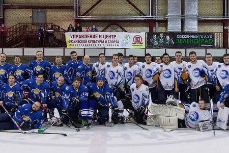 Команда выпускников МИЭТа «Электроник» и молодежка «Студенты» провели хоккейный «Матч поколений»