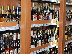 В префектуре назвали адреса нелегальных торговцев алкоголем