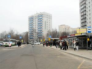 На Крюковской площади переставили автобусные остановки
