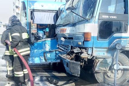 ВЗеленограде столкнулись бетономешалка иавтобус