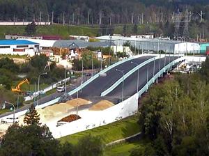 Мост через железную дорогу в Алабушево сдадут в третьем квартале