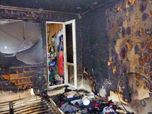 Три женщины пострадали на пожаре в «новом городе» из-за горящей свечи