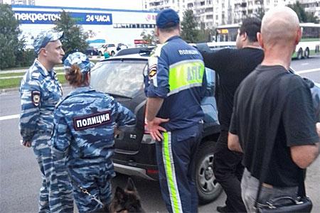 Автоинспекторы нашли спайс у заподозренных в опьянении водителя и пассажира кроссовера