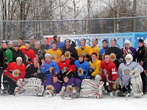 Хоккеисты победно начали 2013 год
