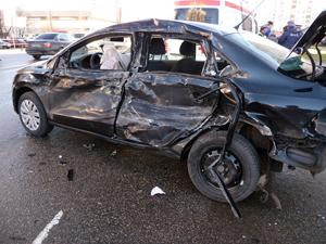 В аварии с грузовиком пострадала семья из трех человек
