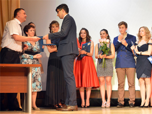 Школы выпустили 110 медалистов и 27 стобалльников ЕГЭ