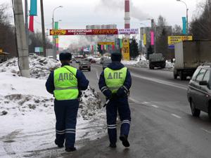 «Гаишников»-вымогателей обязали выплатить по 100 тысяч рублей