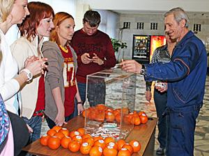 На «Ангстреме» меняют сигареты на апельсины