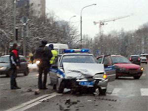 На проспекте Генерала Алексеева разбилась полицейская машина