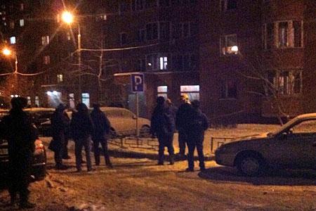 Подъезд в 4-м микрорайоне оцепили из-за тикающего будильника