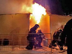 На Новокрюковской улице сгорела строительная бытовка