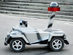 В Зеленограде изобрели робота-охранника