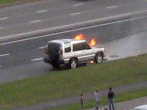 Джип Land Rover загорелся на ходу