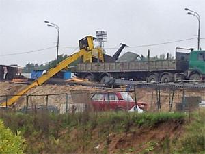 На мосту у МИЭТа упал автокран