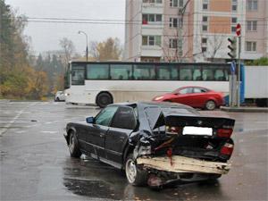 Внедорожник протаранил легковушку на Московском проспекте