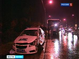 На Ленинградке «Газель» врезалась в автобус ОМОНа