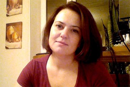 Пропала 34-летняя жительница 10-го микрорайона