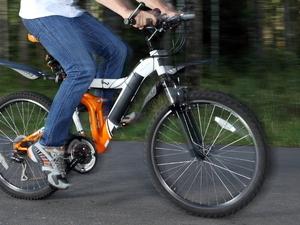 Делом о смертельном наезде велосипедиста на пешехода занялся Следственный комитет