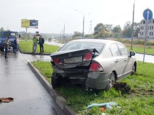 В ДТП на Кутузовском шоссе пострадали три человека