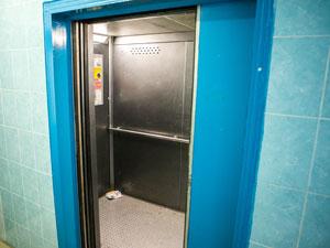 К 2017 году лифты заменят в трех зеленоградских домах